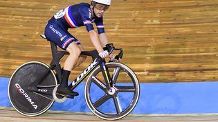 Benjamin Thomas aux championnats du monde de cyclisme sur piste au Vélodrome de Roubaix, vendredi 22 octobre 2021. (DENIS CHARLET / AFP)
