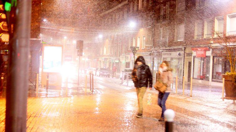 De fortes rafales de vent ont déjà traversé le Nord de la France dans la nuit du 12 au 13 janvier. Ici, à Amiens. (FRED DOUCHET / MAXPPP)