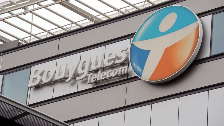 Le centre de Bouygues Telecom à Meudon (Hauts-de-Seine), le 1er octobre 2013. (ERIC PIERMONT / AFP)