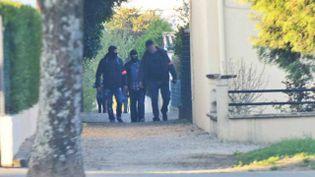 Les enquêteurs ont mené des perquisitions à Saint-Dizier (Haute-Marne), mercredi 22 avril. (FRANCE 3 CHAMPAGNE ARDENNE)