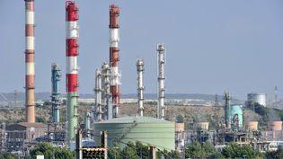 La raffinerie LyondellBasell à Berre-l'Etang (Bouches-du-Rhône), le 26 septembre 2011. (BORIS HORVAT / AFP)