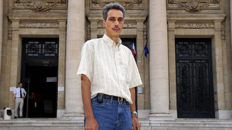 L'ancien jardinier deGhislaine Marchal, Omar Raddad, pris en photo devant le palais de Justice de Toulon le 23 juin 1991. (MAXPPP)