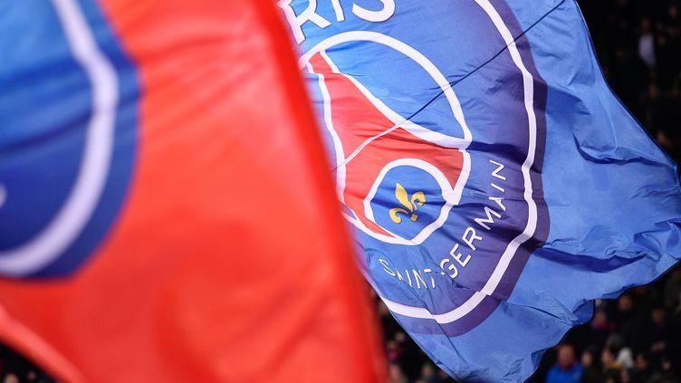 Un drapeau du PSG déployé lors d'un match du clau parisien face au Losc, le 2 novembre 2018, au Parc des Princes à Paris. (NurPhoto/AFP)