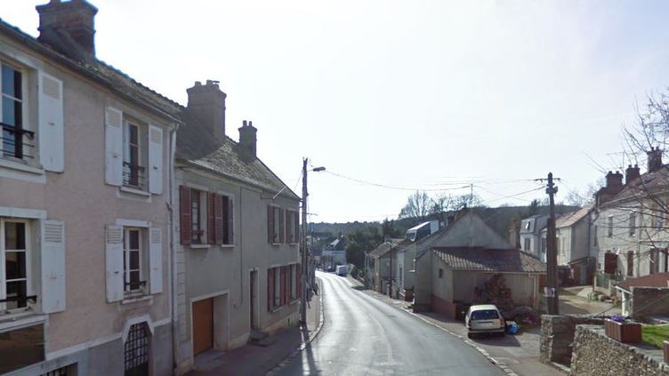 Une rue de Saint-Chéron, en Essonne, photographiée par Google Maps (capture d'écran). (GOOGLE MAPS)