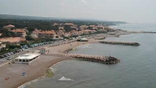 Le palmarès 2018 a été dévoilé : 399 plages et 107 ports de plaisance sont labellisés Pavillon Bleu. Pour obtenir ce gage de qualité, les communes font de gros efforts, comme c'est le cas à Sausset-les-Pins (Bouches-du-Rhône), qui conserve ce label pour la septième année consécutive. (FRANCE 2)