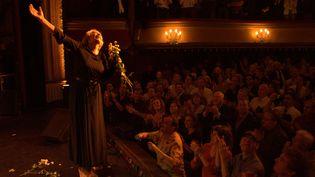 Marie Laforêt le 12 septembre 2005 au théâtre des Bouffes Parisiens, Paris. (JOEL ROBINE / AFP)