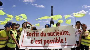 Une manifestation parisienne de ICAN. (ETIENNE LAURENT / EPA)