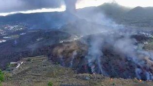 Après un moment d'apaisement, une nouvelle douche explosive a eu lieu le vendredi 24 septembre au volcan de La Palma. (CAPTURE ECRAN FRANCE 2)