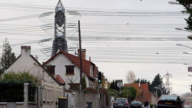 Une rue de Champlan (Essonne), le 12 novembre 2008. (MAXPPP)