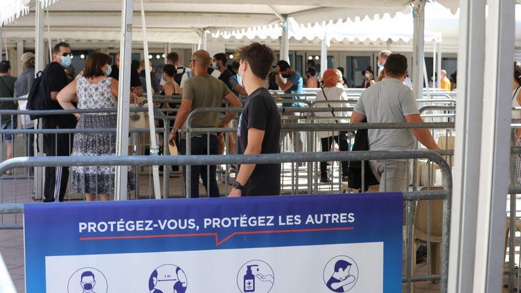 Centre de vaccination contre le Covid-19, à Nice (Alpes-Maritimes) le 13 juillet 2021 (ERIC OTTINO / MAXPPP)