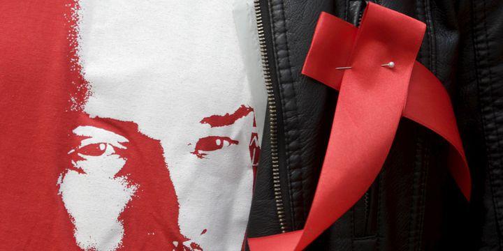 L'icône de la Révolution sur le tee-shirt d'un militant du PC russe pour le Premier mai (Stavropol, 2015). ( Reuters /Eduard Korniyenko)