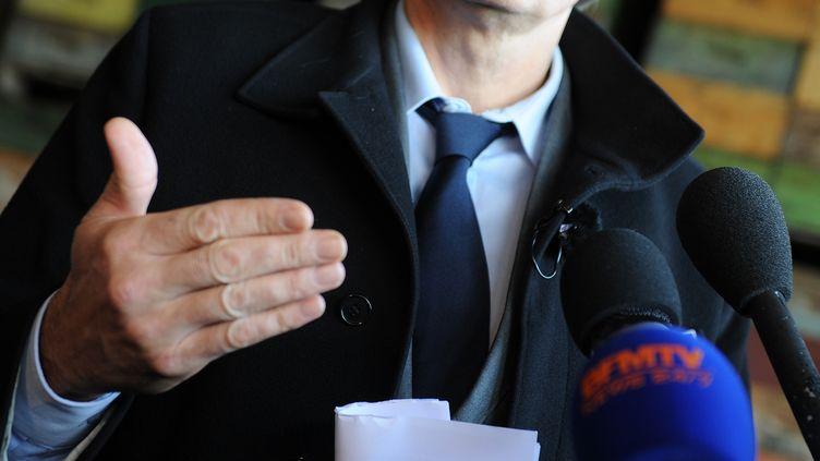 Stéphane Le Foll, ministre de l'Agriculture, au Grand-Luce (Sarthe), le 8 février 2013. (JEAN-FRANCOIS MONIER / AFP)