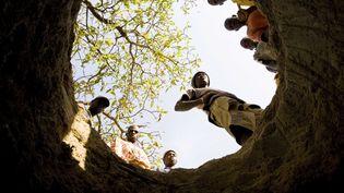 Un puits dans une mine d'or artisanale au Mali, en 2008. Le pays est le troisième exportateur africain. (F.LEPAGE / SIPA)