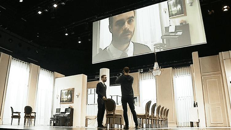 """""""Festen"""" la nouvelle création théâtrale et filmique de Cyril Teste et le collectif MxM en tournée dans toute la France  (France 3 / Culturebox )"""