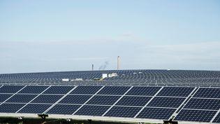 Panneaux solaires sur la Costa Smeralda en Sardaigne (GUIDO CAVALLINI / CULTURA CREATIVE)