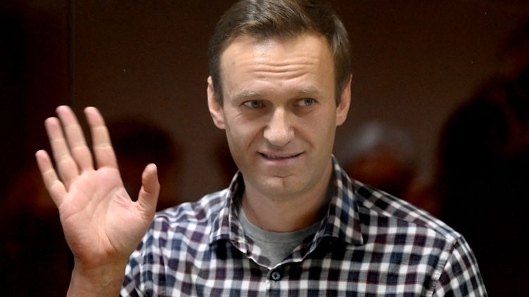 L'opposant russe Alexeï Navalny lors de son procès à Moscou, le 20 février 2021. (KIRILL KUDRYAVTSEV / AFP)