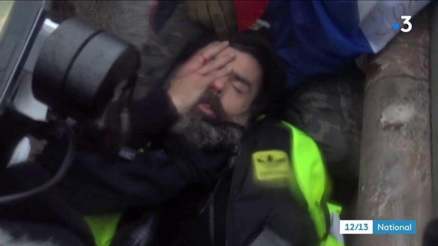 Gilet jaune éborgné : deux policiers mis en examen suite à la blessure de Jérôme Rodriguez
