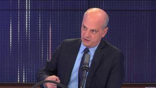 Jean-Michel Blanquer, ministre de l'Education nationale, de la Jeunesse et des Sports, le 28 juillet 2021 sur franceinfo.  (FRANCEINFO / RADIO FRANCE)