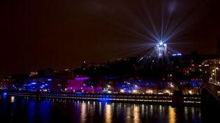 La basilique de Fourvière, à Lyon, illuminée de nuit.  (CITIZENSIDE/KONRAD KILLIAN / citizenside.com )