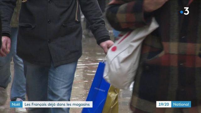 Noël : les Français déjà dans les magasins