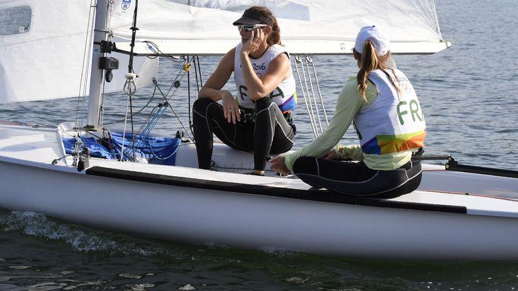 Camille Lecointre et Hélène Defrance médaillées de bronze (WILLIAM WEST / AFP)