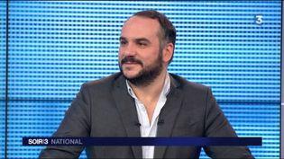 François-Xavier Demaison présente son nouveau spectacle. (FRANCE 3)