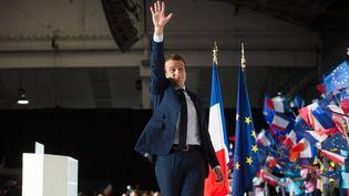 Emmanuel Macron en meeting dimanche 2 avril à Marseille au parc Chanot. (BERTRAND LANGLOIS / AFP)