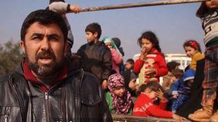 Un déplacé syrien et sa famille (FRANCEINFO)