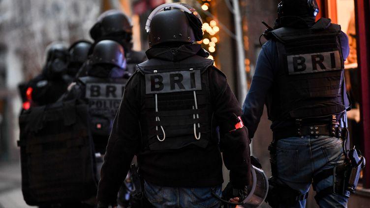 Des membres de la BRI (Brigade de recherche et d'intervention) lors de l'attentat du marché de Noël de Strasbourg, le 12 décembre 2018. (PATRICK SEEGER / EPA / MAXPPP)