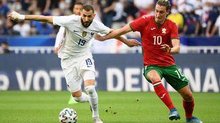 L'attaquant des Bleus Karim Benzema lors du match amical face à la Bulgarie, au Stade de France (Seine-Saint-Denis), le 8 juin 2021. (FRANCK FIFE / AFP)