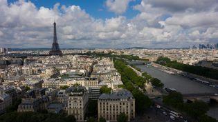 Vue aérienne sur Paris et la tour Eiffel, le 7 juillet 2019. (ERIC FEFERBERG / AFP)