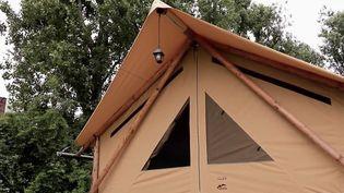 Savoir-faire : des tentes de camping haut de gamme fabriquées à Dunkerque. (FRANCE 2)