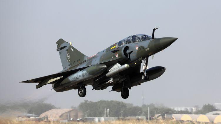 UnMirage 2000 de l'armée de l'air française décolle d'une base à N'Djamena le 22décembre 2018 (LUDOVIC MARIN / AFP)