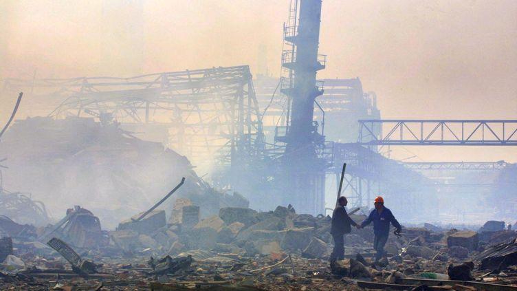 L'usine AZF après l'explosion, le 21 septembre 2001, à Toulouse. (ERIC CABANIS / AFP)