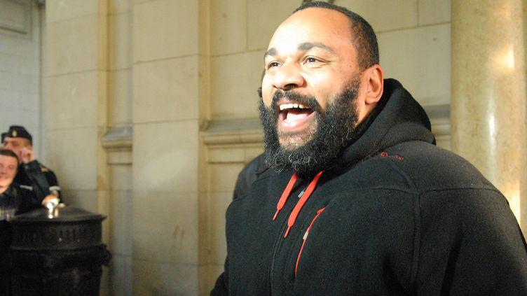 Dieudonné, le 13 décembre 2013 au palais de justice de Paris. (PATRICE PIERROT / CITIZENSIDE / AFP)