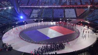La délégation française lors de la cérémonie d'ouverture des Jeux olympiques d'hiver de Pyeongchang (Corée du Sud), le 9 février 2018. (JAVIER SORIANO / AFP)