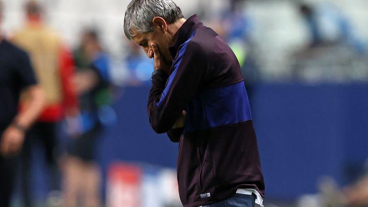 L'entraîneur du FC Barcelone Quiqué Setién après la défaite historique du Barça contre le Bayern Munich en Ligue des champions (RAFAEL MARCHANTE / POOL)
