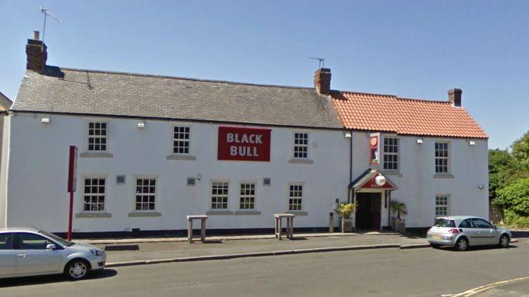 Le Black Bull, le pub de Old Shotton où un jeune homme a confondu une policière avec une strip-teaseuse, le 29 décembre 2014. (GOOGLE MAPS / FRANCETV INFO)