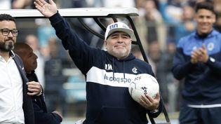 Diego Maradona, nouvel entraîneur du Gimnasia La Plata, lors de la première séance d'entraînement du club, à Buenos Aires (Argentine), le 8 septembre 2019. (ALEJANDRO PAGNI / AFP)