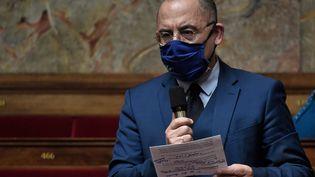 Bruno Questel, député de l'Eure, s'exprime lors d'une séance de questions au gouvernement à l'Assemblée nationale à Paris, le 19 janvier 2021. (STEPHANE DE SAKUTIN / AFP)