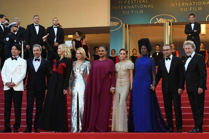 Le jury du 71e Festival de Cannes, présidé par Cate Blanchett, lors de la montée des marches de la cérémonie de clôture  (LOIC VENANCE / AFP)