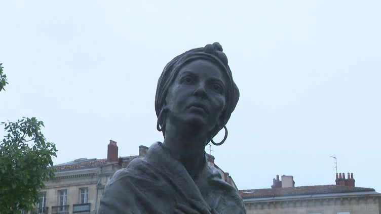 Une statue d'esclave devenue libre à Bordeaux, ville au passé négrier (FRANCE 3)