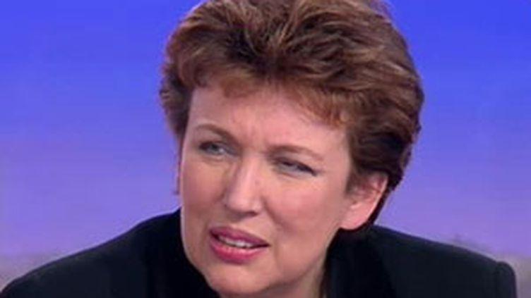 Pour Roselyne Bachelot, ce qui compte c'est la protection du salarié et non les éventuelles économies. (© France 2)