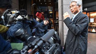 L'avocat de Carlos Ghosn, Junichiro Hironaka, le 31 décembre 2019 à Tokyo. (KAZUHIRO NOGI / AFP)