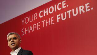 Sadiq Khan, le candidat du parti travailliste, candidat à la mairie de Londres, le 12 septembre 2015 à Londres. (STEFAN WERMUTH / REUTERS)