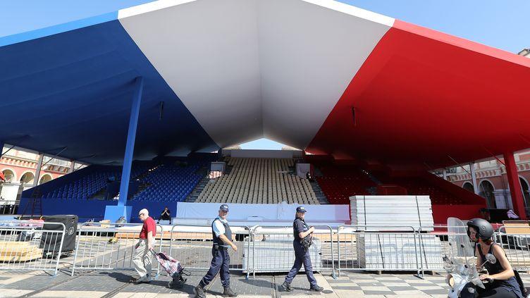 Des commémorations de l'attentat de Nice sont organisées le vendredi 14 juillet 2017. Elles seront placées sous haute surveillance. (VALERY HACHE / AFP)