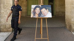 Une photo de Jean-Baptiste Salvaing et Jessica Schneider, lors d'une cérémonie d'hommage à Pezenas, le 20 juin 2016. (MAXPPP)