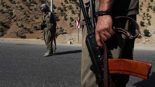 Un membre du PKK, au Kurdistan irakien (Irak), le 22 juin 2018. (SAFIN HAMED / AFP)