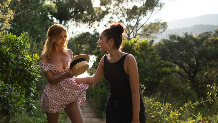"Zahia Behar et Mina Farid dans ""Une fille Facile"" (Film ""Une Fille Facile"")"