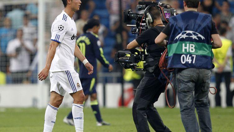 Le joueur du Real Madrid Cristiano Ronaldo quitte le terrain après un match entre le club espagnol et l'Ajax Amsterdam, le 15 septembre 2010 à Madrid (Espagne). (ANGEL MARTINEZ / GETTY IMAGES EUROPE)